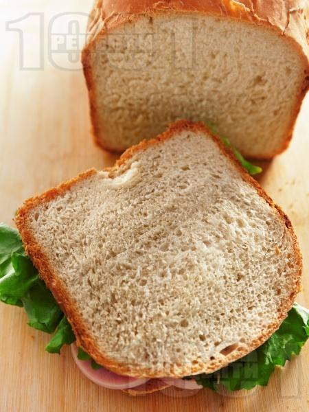 Хляб за сандвичи за хлебопекарна - снимка на рецептата